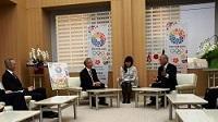 ジョナサン・スティーブンス 前英国文化・オリンピック・メディア・スポーツ省事務次官及びティモシー・マーク・ヒッチンズ 駐日英国大使が、知事と会談しました。
