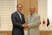 ニール・バラカット イスラエル国エルサレム市長及び ルツ・カハノフ 駐日イスラエル国大使が、知事と会談されました。
