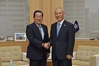 チン・シアットユーン 駐日シンガポール大使が、表敬のため都庁を訪問されました。