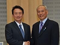 南 景弼(ナム・ギョンピル) 京畿道知事が、知事と会談されました。