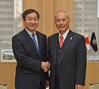 劉正福(ユ・ジョンボク) 仁川広域市長が、知事と会談されました。
