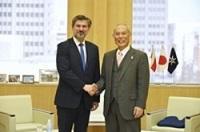 ツィリル・コザチェフスキ 駐日ポーランド大使が、表敬のため都庁を訪問されました。