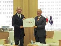 ダト・スリ・モハメッド・ナズリ・ビン・アブドゥル・アジズ マレーシア観光文化大臣が、知事と会談されました。