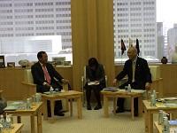 パー・ソチェットボン プノンペン都知事が、都知事と会談されました。